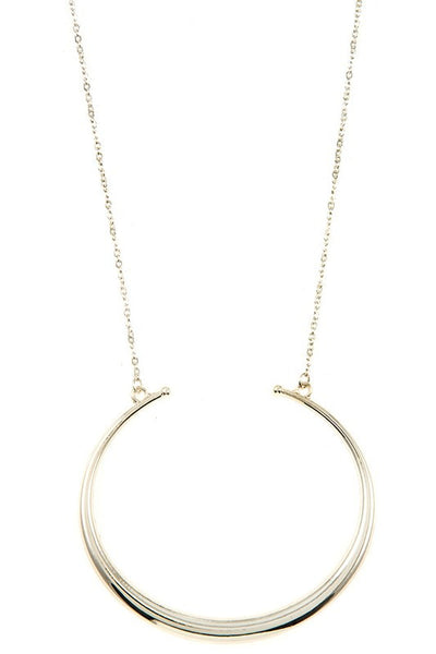 Curved Pendant Necklace