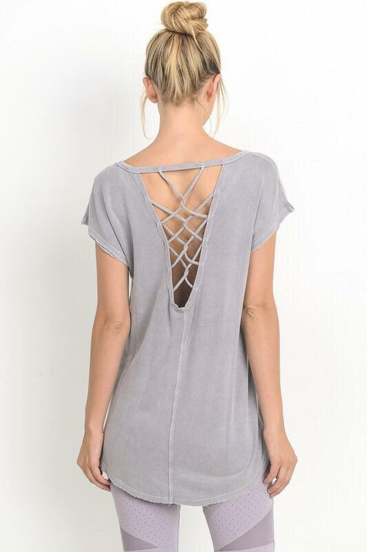 Ema Backless Tee in Lavender