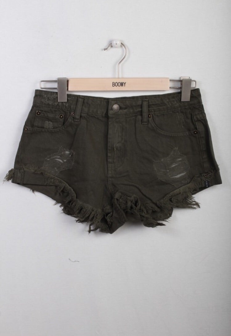 Elle Shorts in Olive