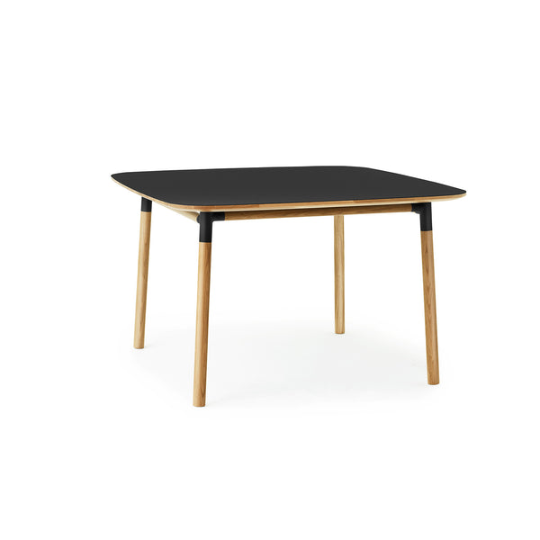 Form Table 120x120 cm