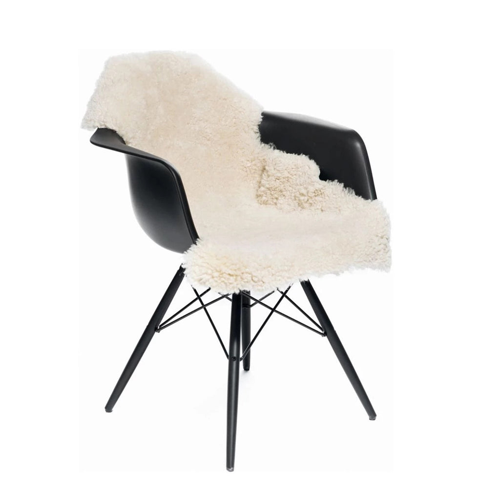 Natures Collection New Zealand Curly Sheepskin Seat Cover in Pearl