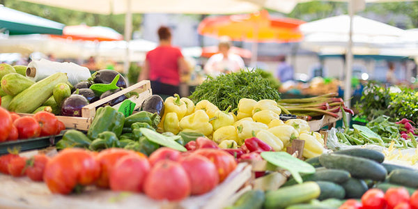Five Advantages of Shopping at a Farmers Market