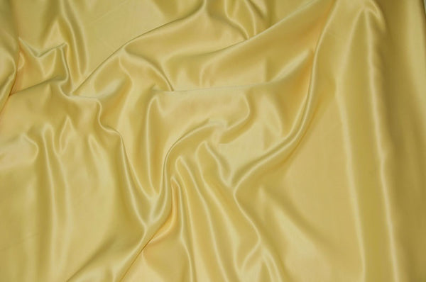 0134 BANANA - L'AMOUR SATIN