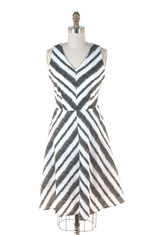 Chevron Zigzag Stripe Dress in White/Black - Last size S!