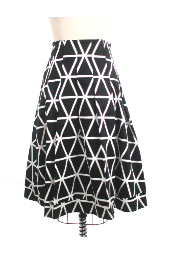 Crisscross pleat skirt in black