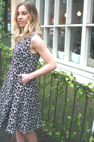 Leopard V-neck Dress in black & white - last size S!