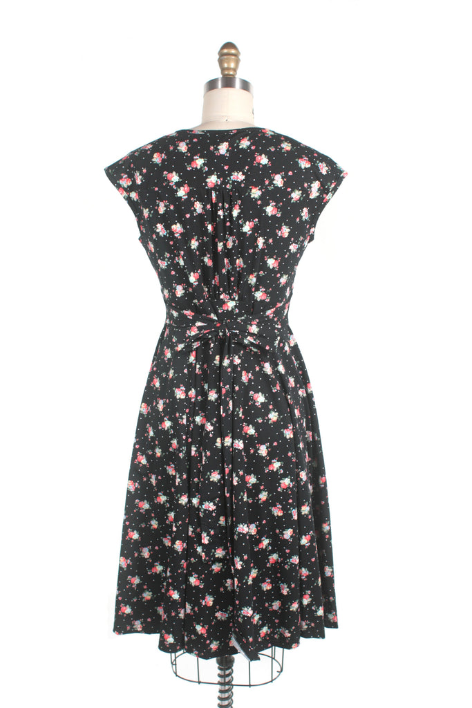Sweet flower jersey dress in black
