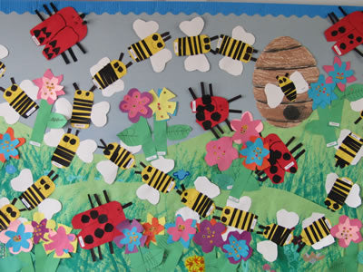 Bugs and Flowers bulletin board from HeidiSongs, heidisongs, kindergarten, crafts, spring ideas