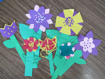 Free Flowers Pattem from HeidiSongs, heidisongs, kindergarten, crafts, spring ideas