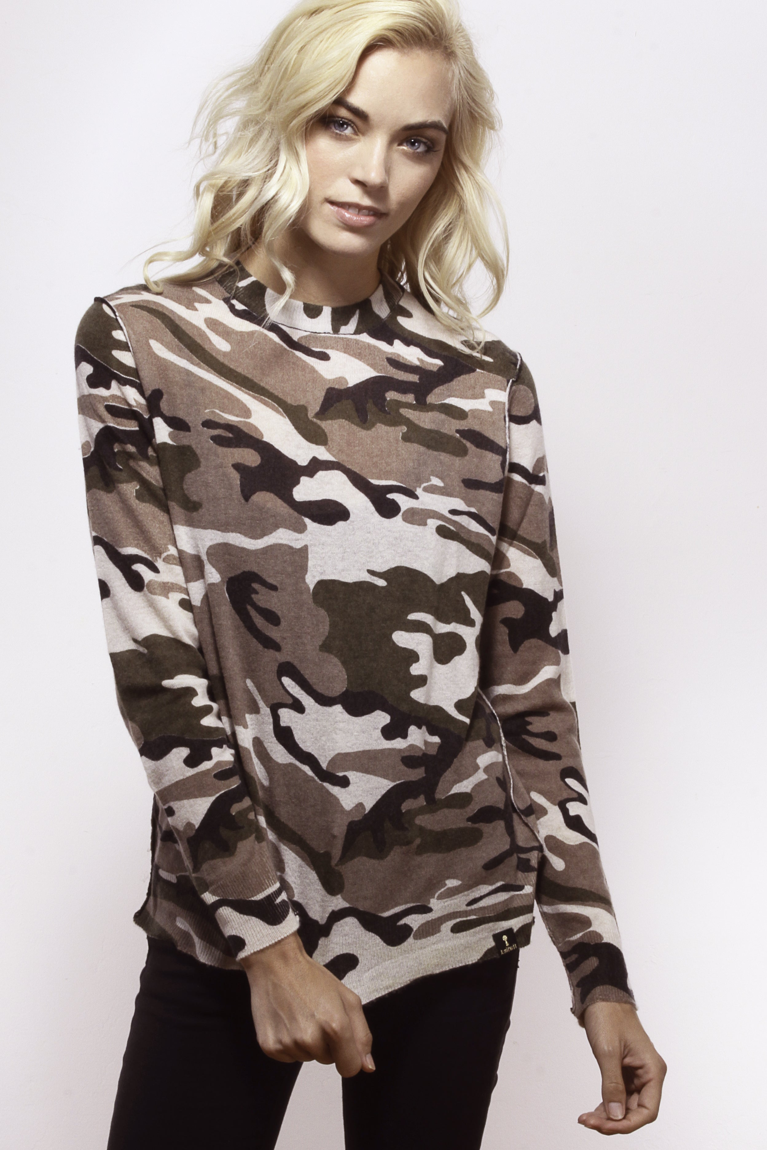 Classic Camo Comfy Crew - Knitwit