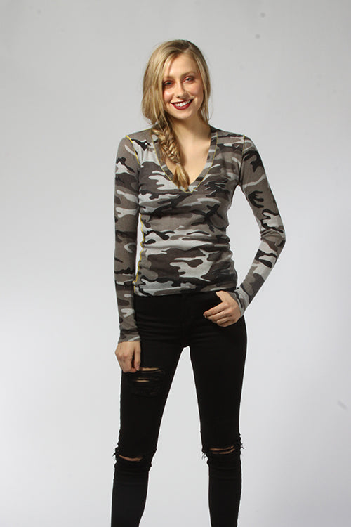 Snow Camo V-Neck - Knitwit