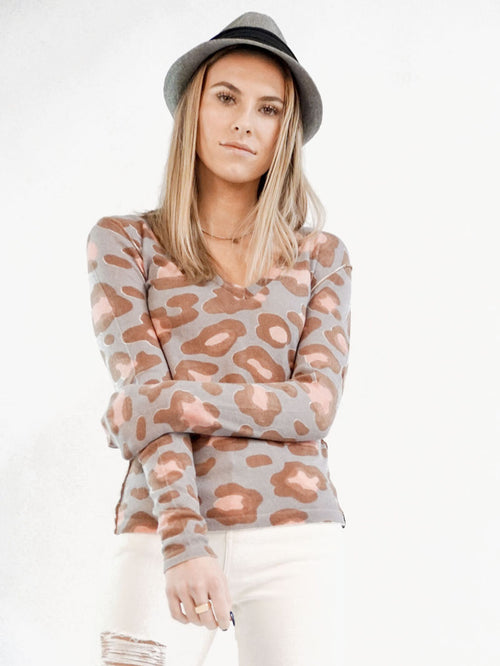 Sweet Leopard V-Neck - Knitwit