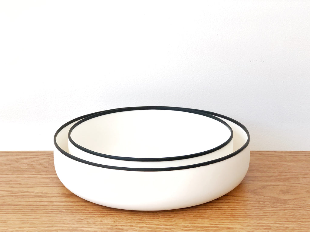 Resin Black Rim Salad Bowl