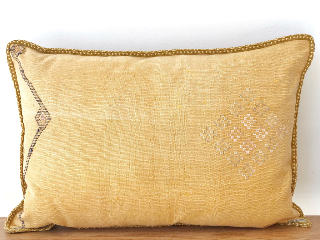 Handwoven Pillow XL - Faded Yellow