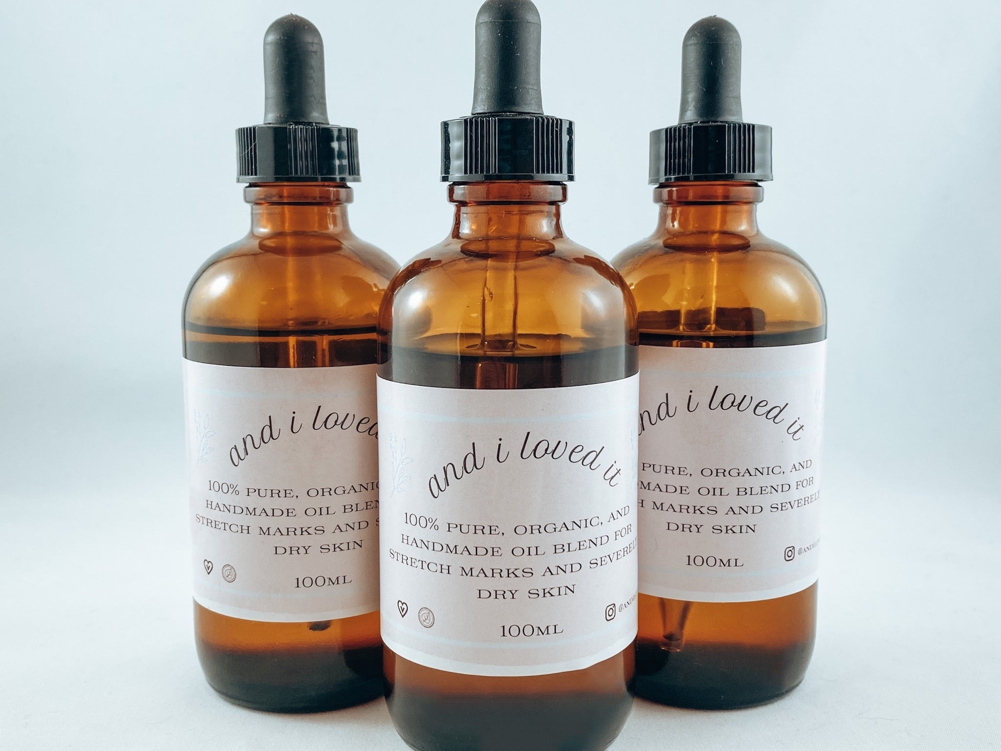 Organic oil blend for stretch marks and dry skin