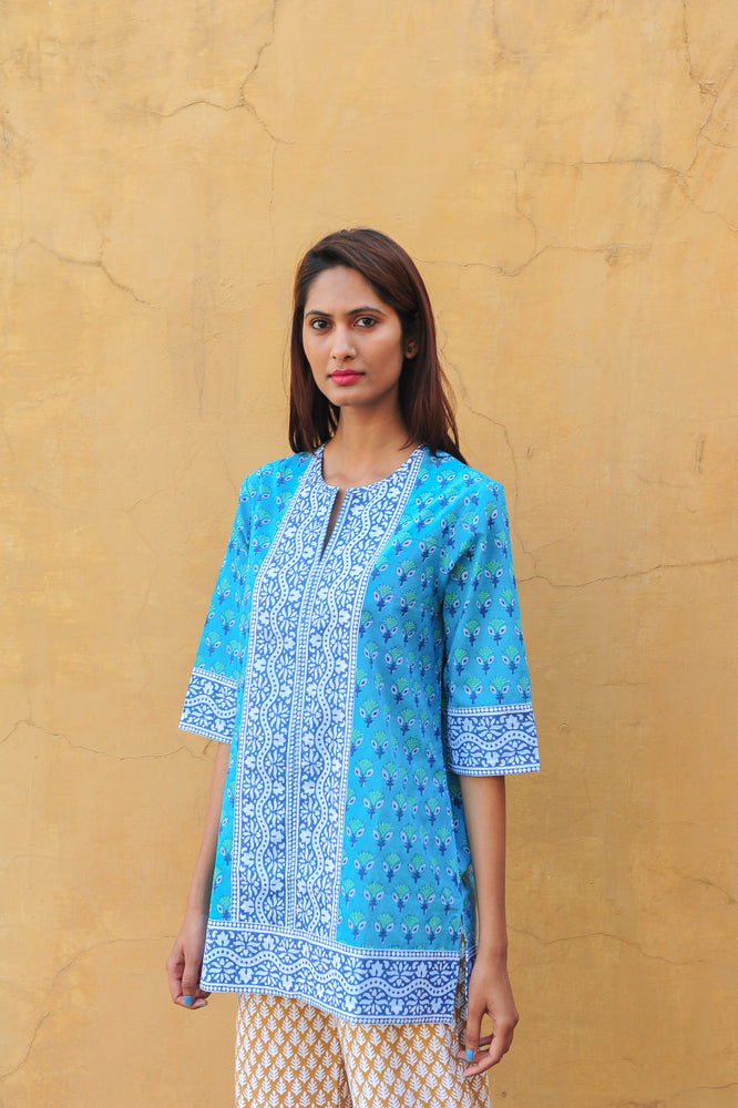 SZ Short Kurta in Turquoise Waterlily