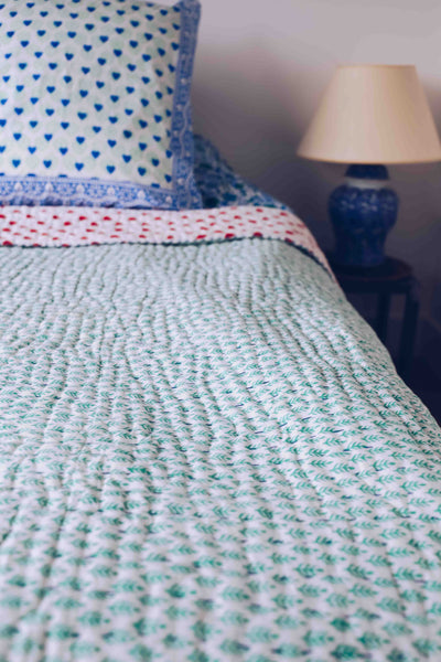 SZ Quilt in Mint Patti Print with Red Hearts, Large