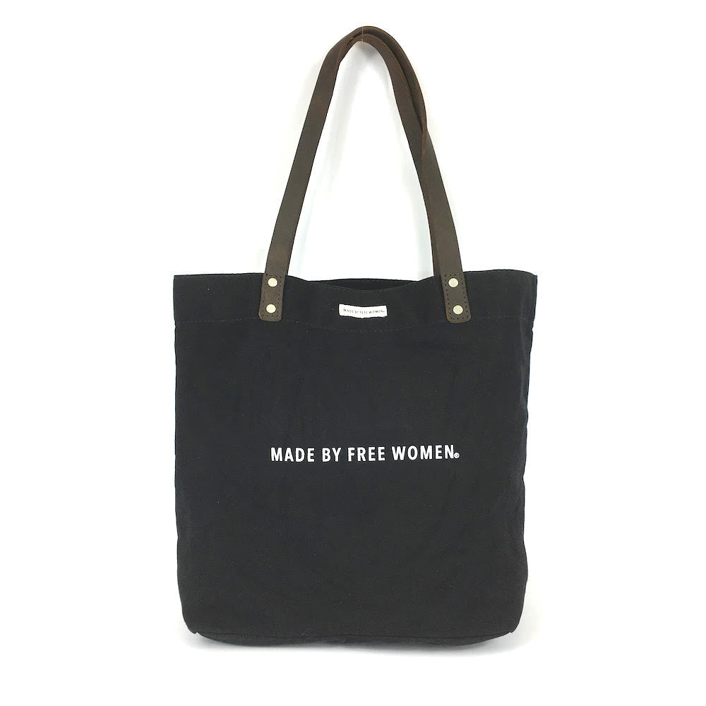 day tote. made by free woman. tote bags canvas. tote bags wholesale. tote bags for school. tote bag with zipper. high quality tote bags. canvas tote bags with zipper. eco bags.
