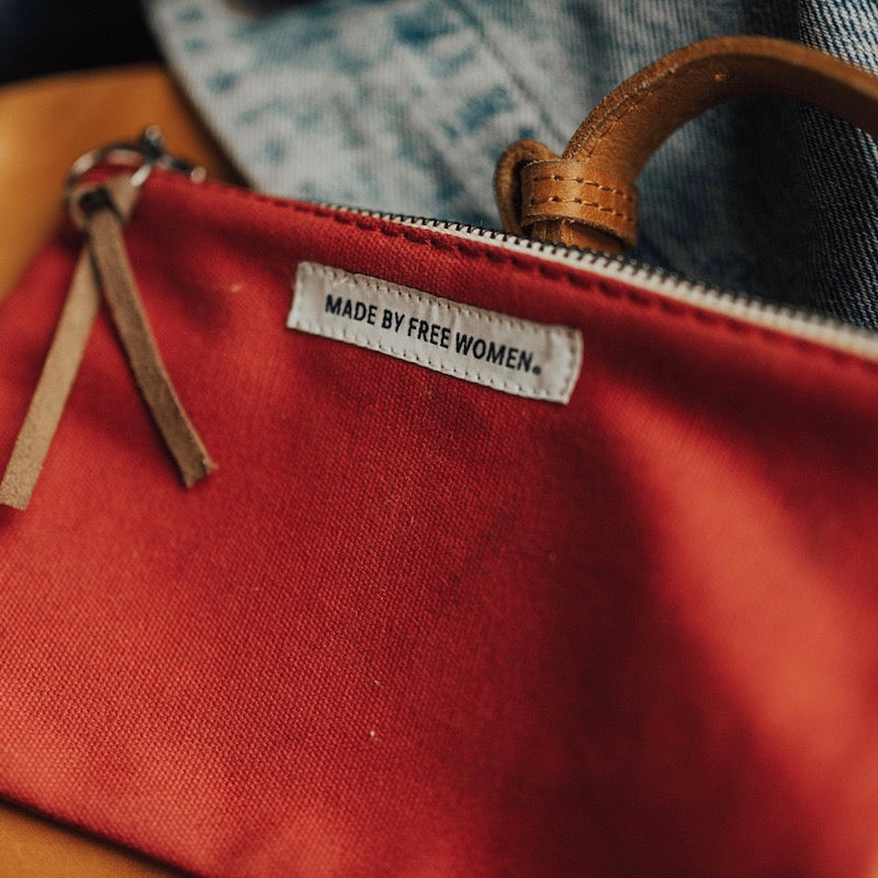 large canvas pouch. heavy duty canvas zipper pouch. canvas tool pouch. canvas zipper tool pouch. canvas zipper pencil pouch. Cotton canvas bag. Makeup Bag. cosmetic bag. red.