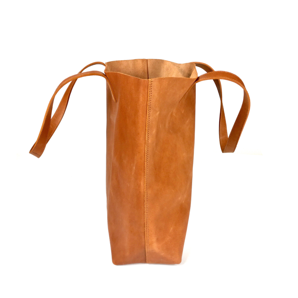 soft leather tote bag. tote bags for school. tote bags for teaches. genuine leather bags. handmade leather bag. camel