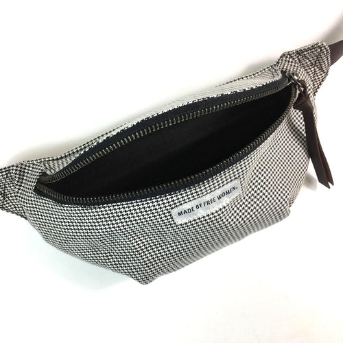 FANNY PACK HOUNDSTOOTH