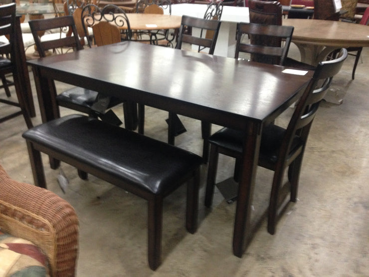 CNL385 Coviar Dining Set