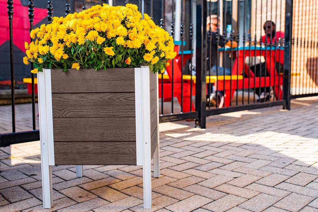 URBANA Raised Planter 18x18