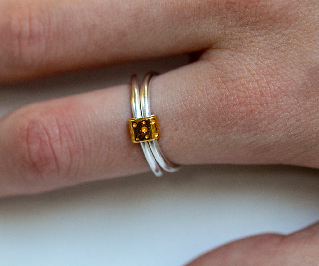 Bubble Adjustable Link Stacking Ring