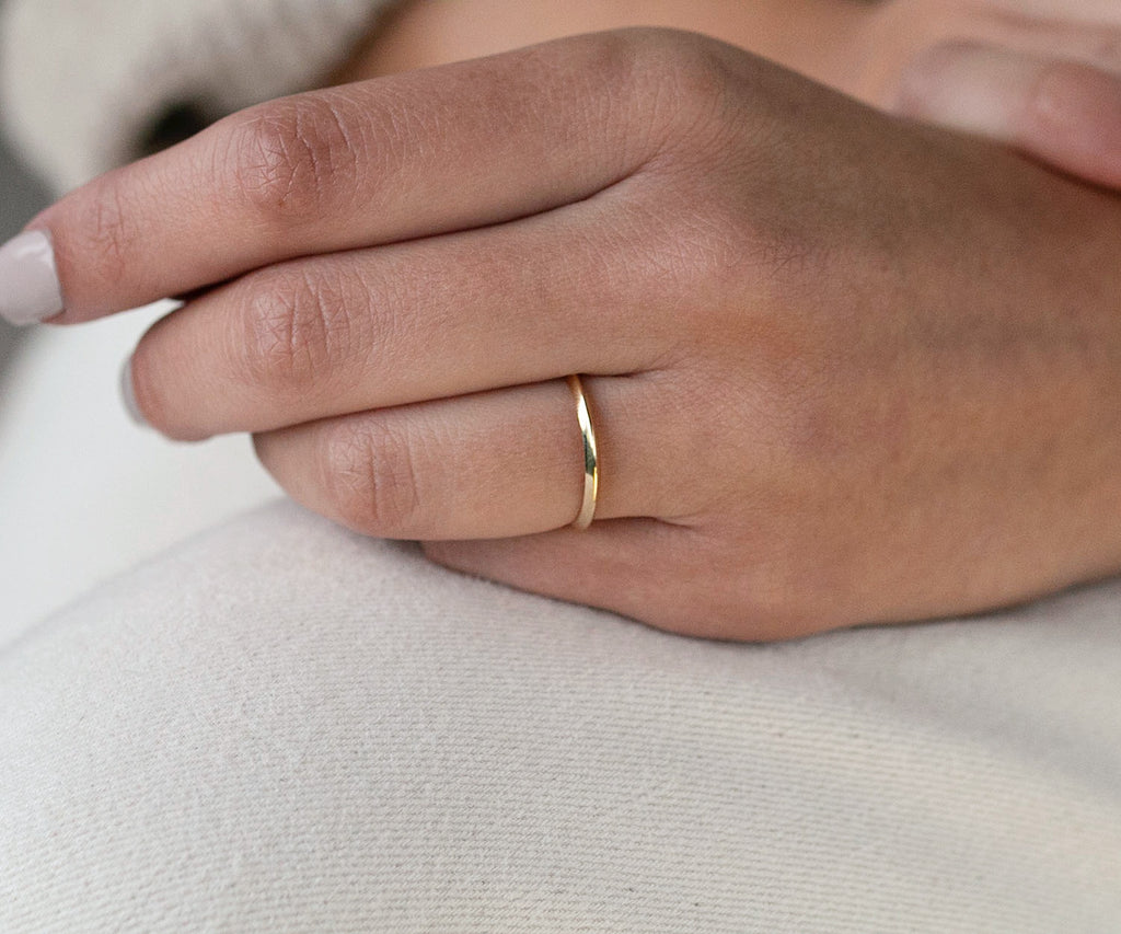 solid gold fine edge ring 9ct yellow  gold maya magal luxury jewellery brand london uk