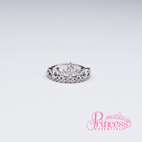 Elegant Queen Ring