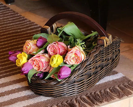 wicker gathering basket with roses, item 000222