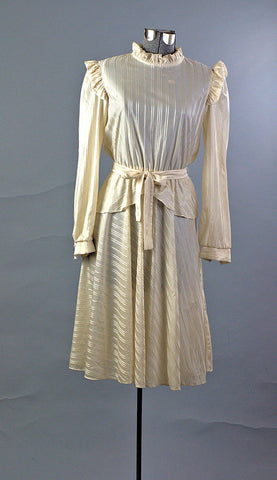 Arabella Vintage 1970's Cream Peplum Day Dress - ROBINS HERITAGE USA Vintage