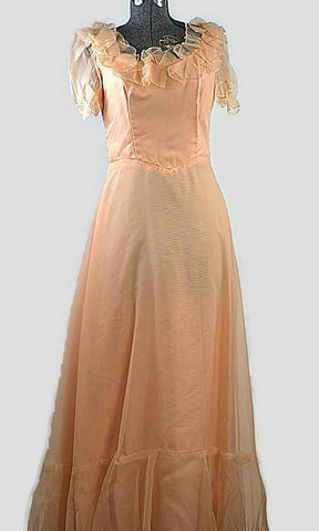 Audrey Peach Vintage Prom Dress from 1970s, Just In - ROBINS HERITAGE USA Vintage