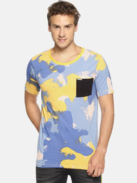 Multi colored camouflage print pocket t-shirt