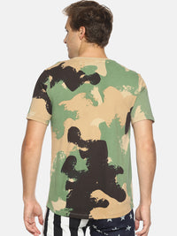 Green camouflage print pocket t-shirt