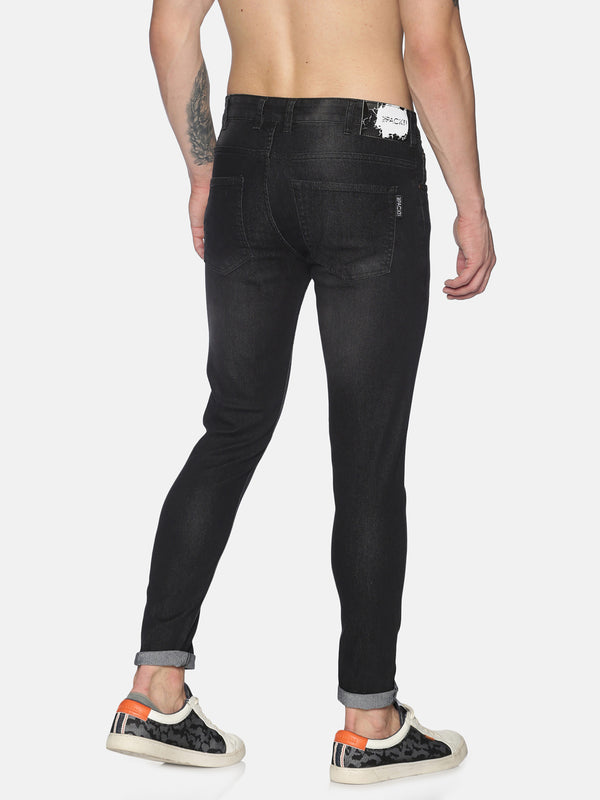 Basic 5 pocket jeans with back pocket embroidary