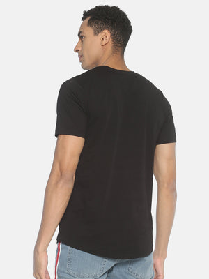Short Sleeve Solid Black Round Neck T shirt With Neck Chain