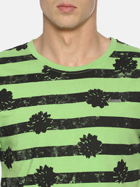Green tropical print t-shirt