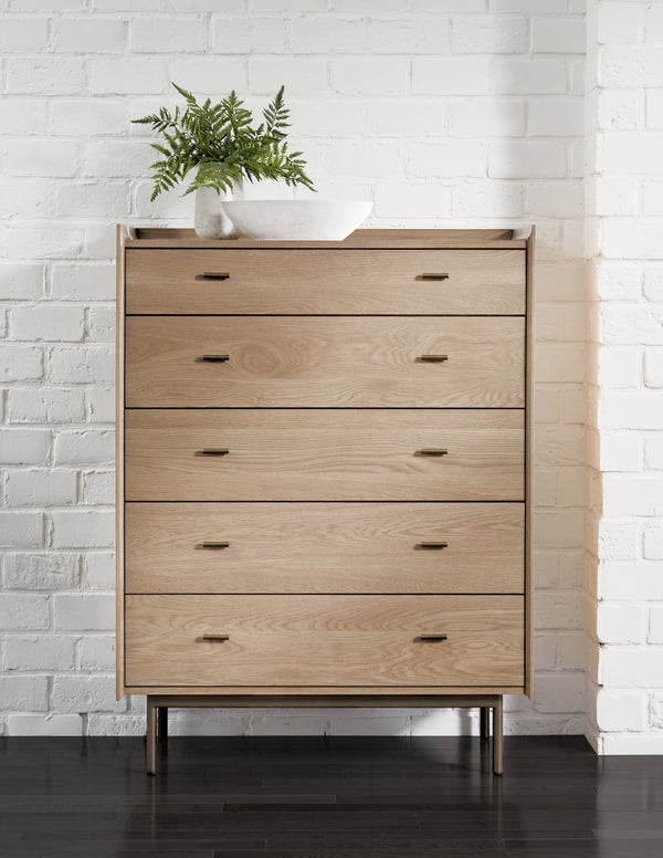 Montenapo 5 Drawer Dresser