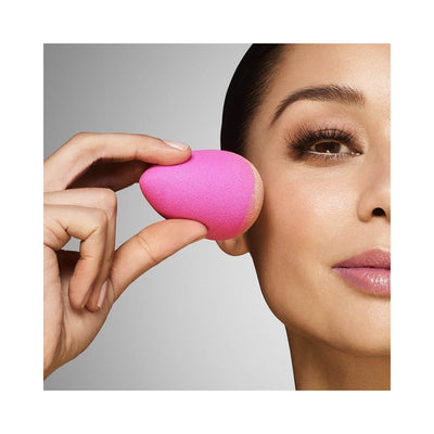 Beautyblender two.bb.clean Beautyblender Duo Liquid Cleanser Model Background