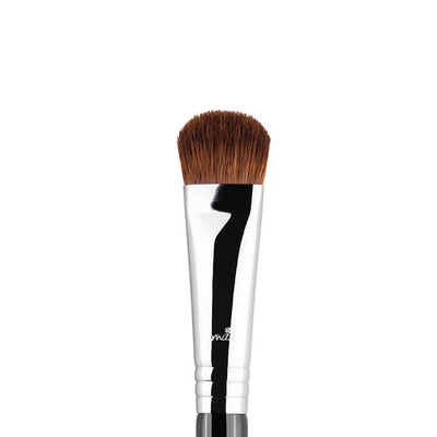 Sigma Beauty E52 Soft Focus Shader Brush Chrome