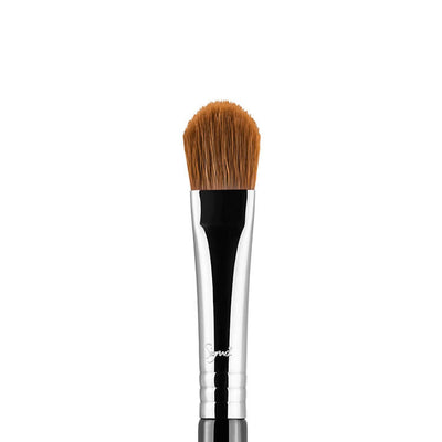 Sigma Beauty E60 Large Shader Brush Chrome