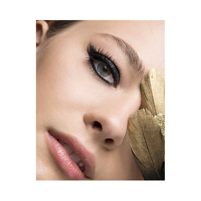 Red Cherry Red Hot Wink Shadow Effect False Eyelashes Model