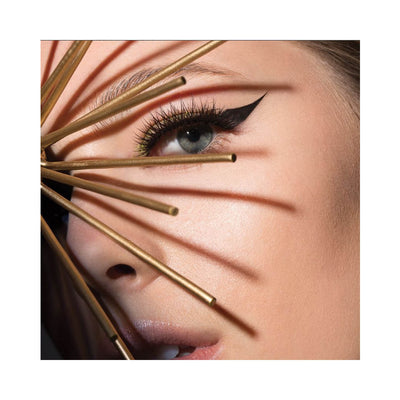 Red Cherry Red Hot Wink The X Effect False Eyelashes Model