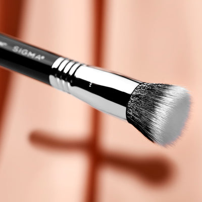 Sigma Beauty F80 Air Flat Kabuki Brush Style 2