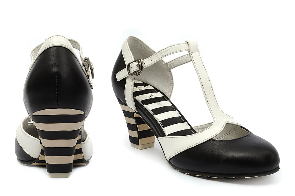 Buy the graphic t-straped shoe Ava Classy at Lola Ramona today!