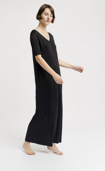 Long T shirt dress black linen sustainable ethical fashion