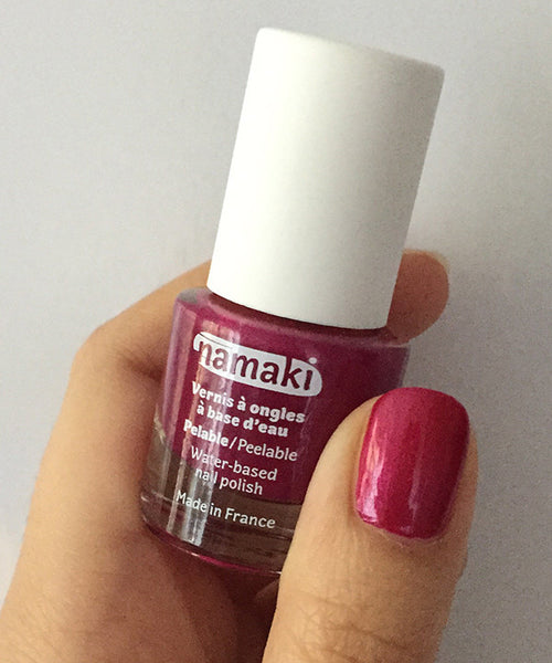 Water-based nail polish in raspberry