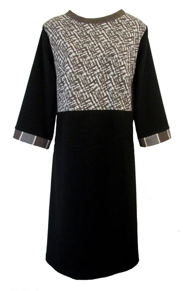 SHAPED SHIFT DRESS - MOCHA & BLACK
