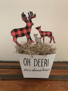 Outdoor adventure Animal Centerpieces